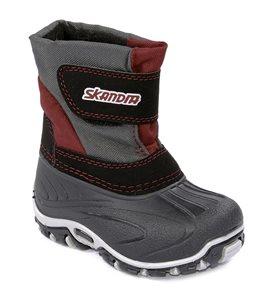 Пример зимней детской обуви от Skandia