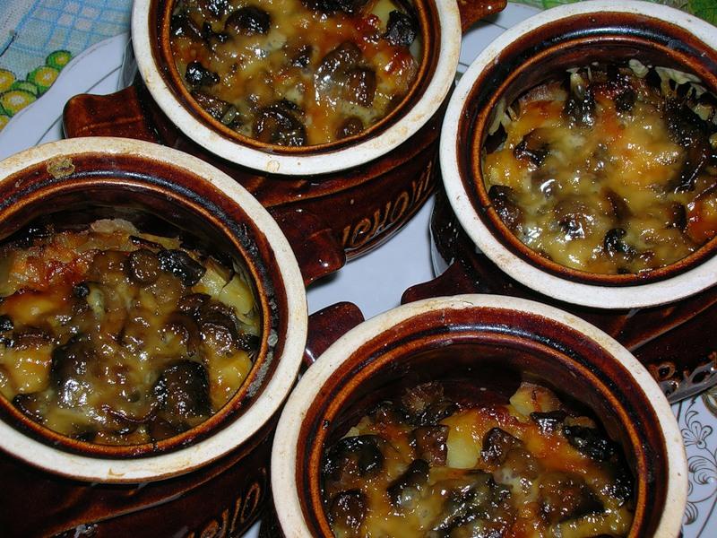 Мясо в глиняном горшочке в духовке рецепт