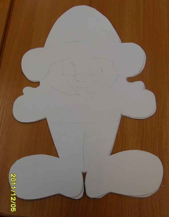 Колпачки на новый гИгрушки из белой бумаги