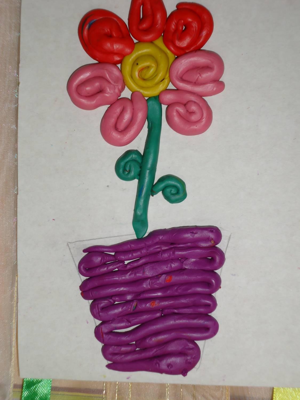 Поделка для мамы из пластилина